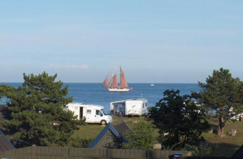 Hotel Pictures: Nexø Camping & Cottages, Neksø