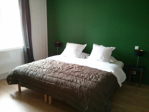 Hotel Pictures: B&B Chez Camille Auberge Maison d'hôtes, Bussy-Albieux