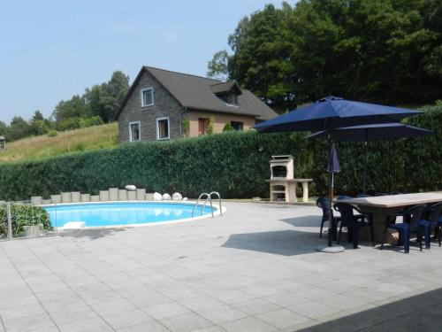 Hotelbilleder: Holiday home La Romantique, Bellevaux-Ligneuville
