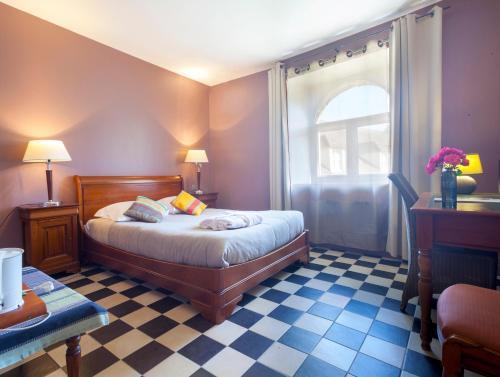 Hotel Pictures: , Montigny-le-Bretonneux