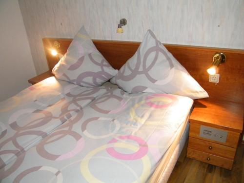 Hotel Pictures: , Grossbreitenbach