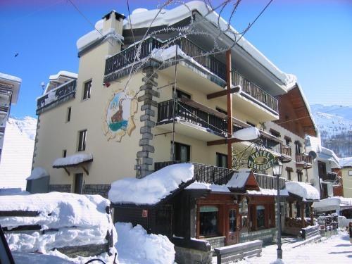 Hotel meuble 39 joli r servation gratuite sur viamichelin for Hotel meuble joli cervinia