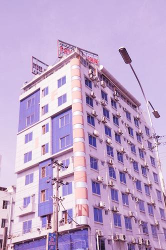 Foto Hotel: Hotel Favour Inn International, Chittagong
