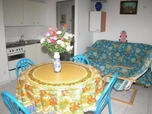 Hotel Pictures: Rental Apartment Les Terrasses Du Port, Port Leucate