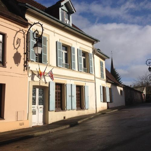 Hotel Pictures: , Montreuil-sur-Mer
