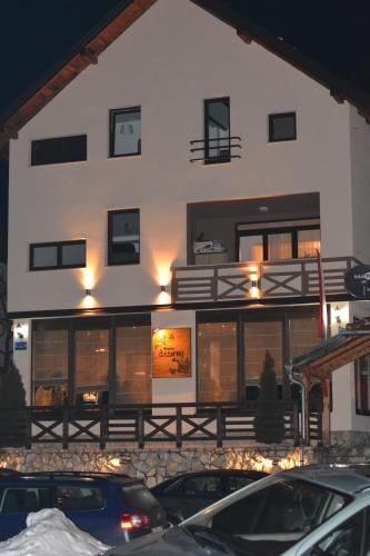 Foto Hotel: Guest house Zavicaj Pale, Pale