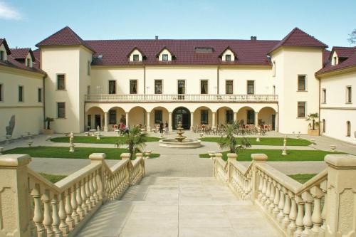 Hotel Pictures: , Kynšperk nad Ohří