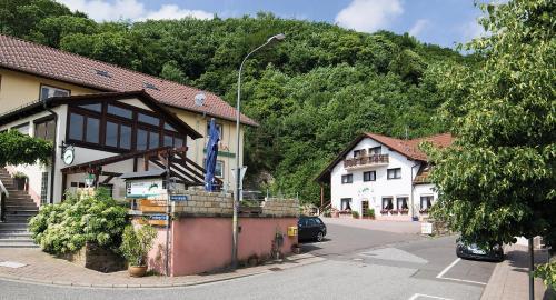 Hotel Pictures: Hotel Berg, Dannenfels