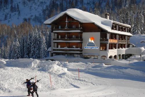 ホテル写真: Hotel Berghof, Sonnenalpe Nassfeld