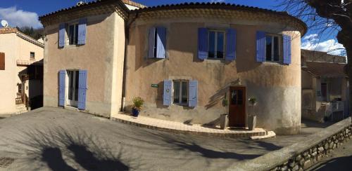 Hotel Pictures: , Saint-Fortunat-sur-Eyrieux