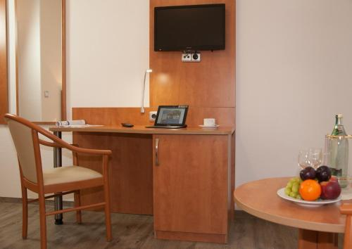 Hotel Pictures: Hotel Restaurant Lütkebohmert, Reken
