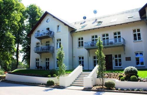 Hotel Pictures: Schloss zu Hohen Niendorf - Ferienwohnung 13, Hohen Niendorf