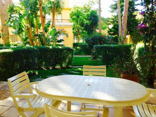 Hotel Pictures: Apartamentos Green Novo Sancti Petri, Novo Sancti Petri