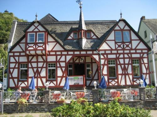 Hotel Pictures: Cafe-Konditorei-Pension Sander, Niederfell