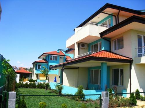 Фотографии отеля: Bulgarienhus Nev Villa, Бургас