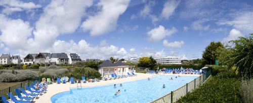 Hotel Pictures: Pierre & Vacances Village Club Port du Crouesty, Arzon