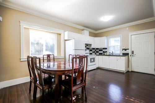 Homey Suite