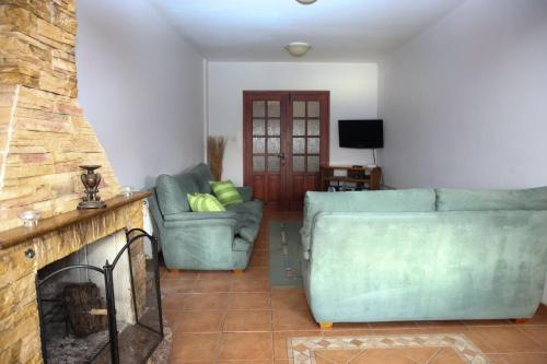 Hotel Pictures: Easy Holidays Kiti Center, Kiti
