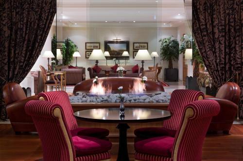 Hotel Pictures: Royal Manotel, Geneva