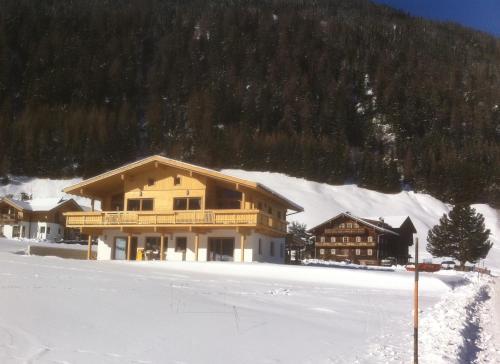 Hotelbilder: Großglockner Goldried Chalet, Kals am Großglockner