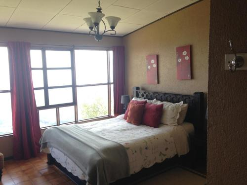 Hotel Pictures: Poas Lodge, Poasito