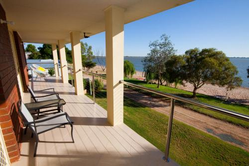 Photos de l'hôtel: Lake Boga Waterfront Holiday House, Swan Hill