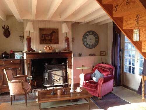 Hotel Pictures: , Les Baux-de-Breteuil