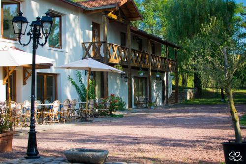 Hotel Pictures: , Commelle-Vernay