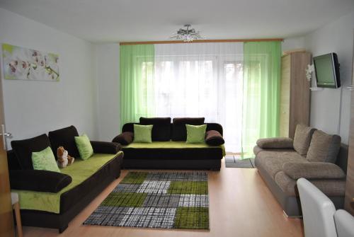 Hotel Pictures: FeWo Zakharov 2-12 Personen, Lahr