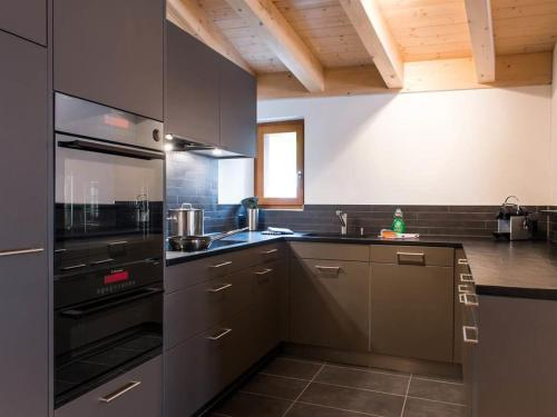 Hotel Pictures: TITLIS Resort Wohnung 331, Engelberg