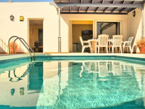 Hotel Pictures: Villa Lapa - Pool Sun and Beach, Tías