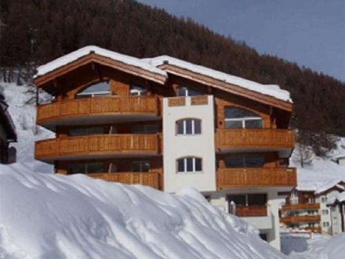 Hotel Pictures: Evelyne (031C03) 1, Saas-Fee