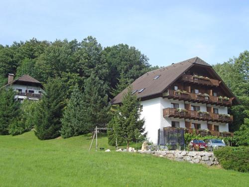 Hotel Pictures: Sterngut 3, Unterach am Attersee