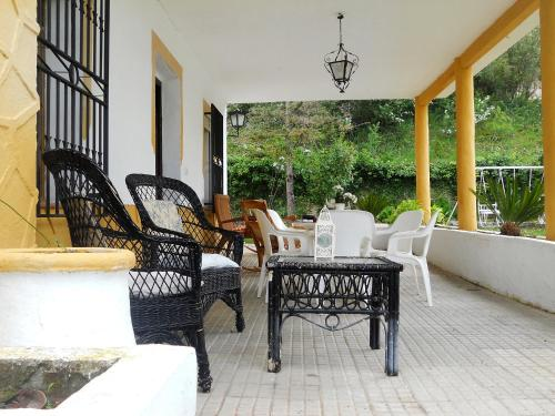 Hotel Pictures: Molino Macegal, Carcabuey