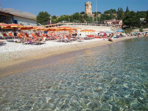 Castellammare del golfo ville in affitto for Ville vacanze italia