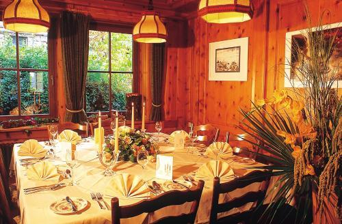 Hotel Pictures: Land-gut-Hotel Landgasthof Hotel Ochsen, Schömberg
