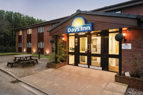 Hotel Pictures: Days Inn Bridgend Cardiff, Bridgend