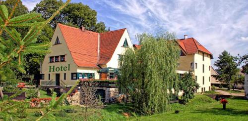 Hotel Pictures: A.L. Harzhotel Fünf Linden, Wickerode