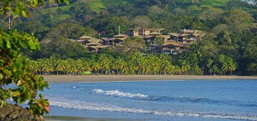 Hotel Pictures: Nammbú Beach Front Bungalows, Carrillo