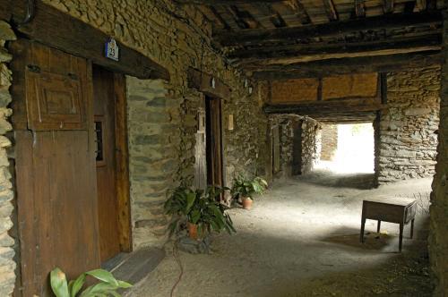 Hotel Pictures: , Robledillo de Gata
