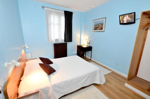 Hotel Pictures: Hôtel de l'Ours Logis, Coulommiers