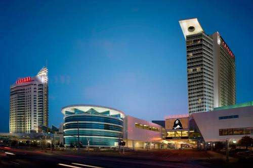 Hotel Pictures: Caesars Windsor Hotel and Casino, Windsor