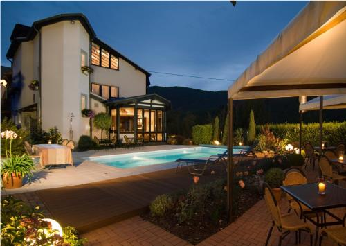 Hotel Pictures: Naturlaub-Domizil Oster-Franzen, Bremm