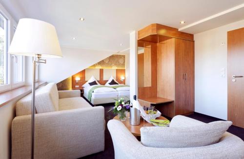 Hotel Pictures: Gasthof Tepferdt, Rees
