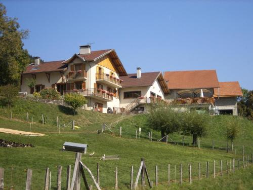 Hotel Pictures: Ferme Auberge du Bessard, Allevard