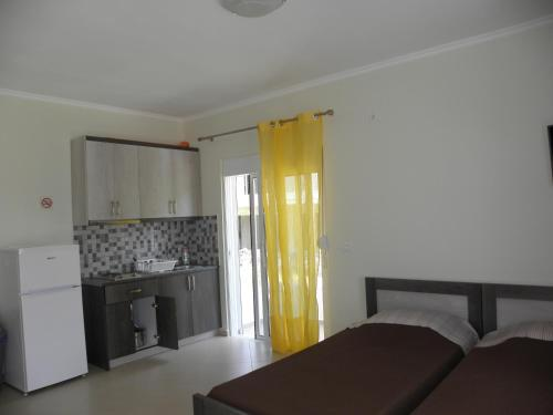 Hotellikuvia: Goumas Apartment, Himare