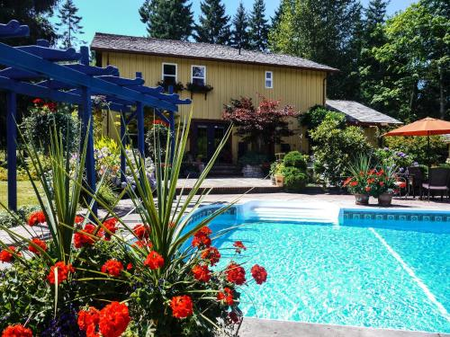 Hotel Pictures: La Pause Vacation Rental Home, Courtenay