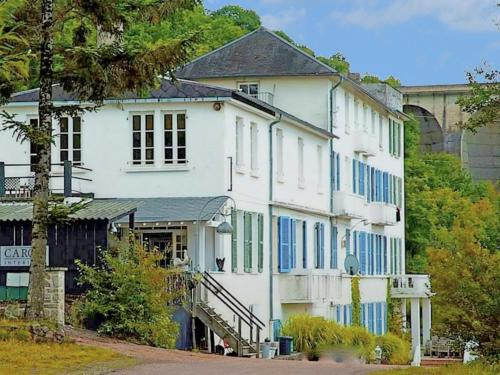 Hotel Pictures: Holiday Home Panneciere 1, Chaumard