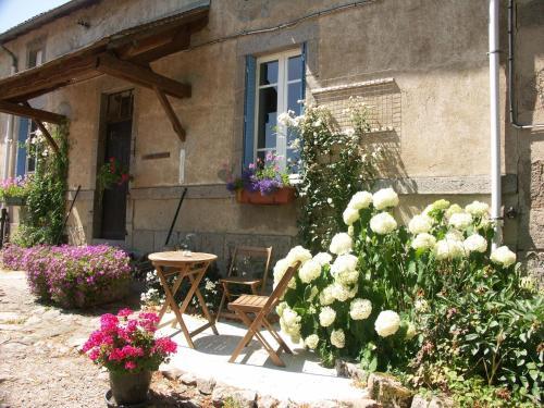 Hotel Pictures: , Montaigut-en-Combraille