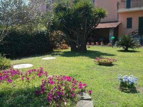Nice house in Pompeii with big private garden